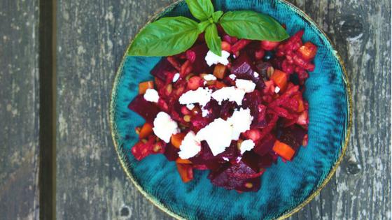 Rezept - Rote Rüben Salat - TCM Ernährung - 5 Elemente Küche - TCM Ernährungsberatung Wien - Anna Reschreiter