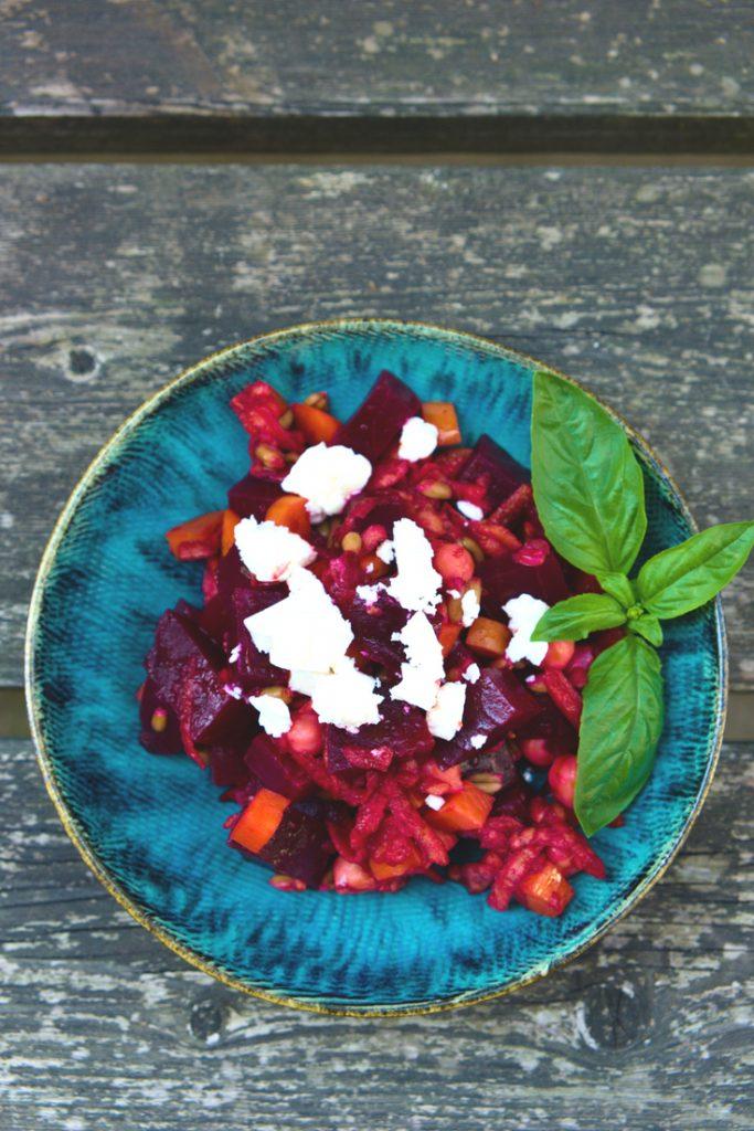Rezept Roter Rüben Salat mit Getreide und Kräutern - TCM Ernährung - 5 Elemente Küche - TCM Ernährungsberatung Wien - Anna Reschreiter