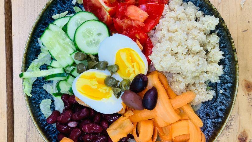 Rezept Buddha Bowl nach der TCM - warmer Salat - TCM Ernährung - 5 Elemente - Anna Reschreiter - annatsu