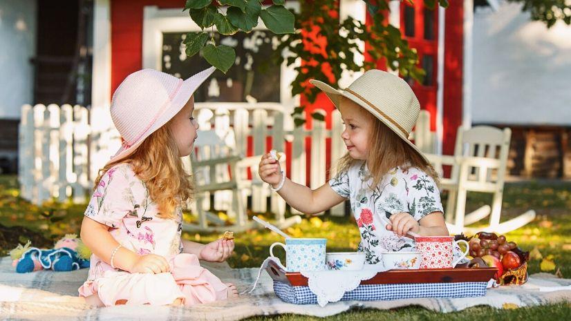 Unterwegs mit einem Kleinkind - die besten Snacks nach den 5 Elementen der TCM - TCM Ernährungsberatung Wien - Anna Reschreiter